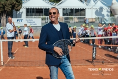 0004_TennisAndFriends_3287