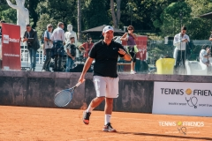 0023_TennisAndFriends_4384