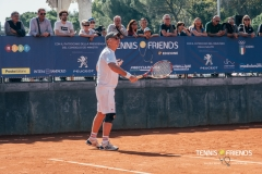 0024_TennisAndFriends_4385