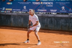 0195_TennisAndFriends_5984